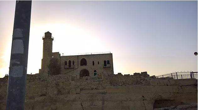 קבר שמואל הנביא בגבעת זאב בירושלים