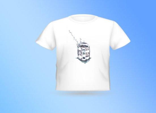 חולצה לבנה כוס