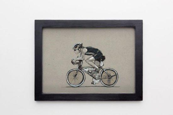 רוכב אופניים ממוסגר