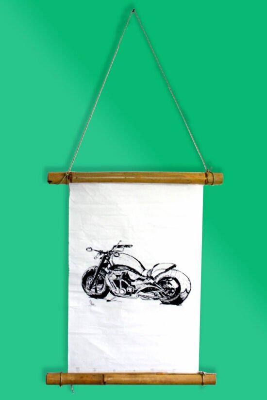 מתלה יפני עם אופנוע