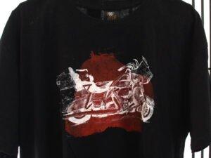 חולצת טריקו מודפסת עם רישום של אופנוע קינג רוד וריאציות בפנים